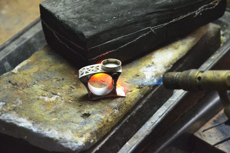 Trabajando en el taller - Caporali